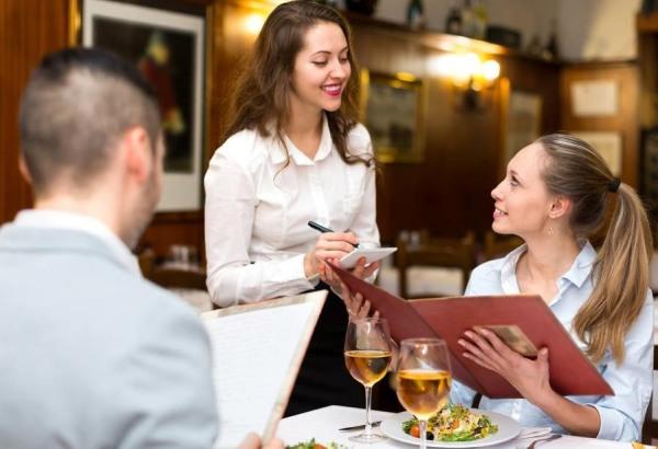 Các kỹ năng mà nhân viên phục vụ nhà hàng cần có