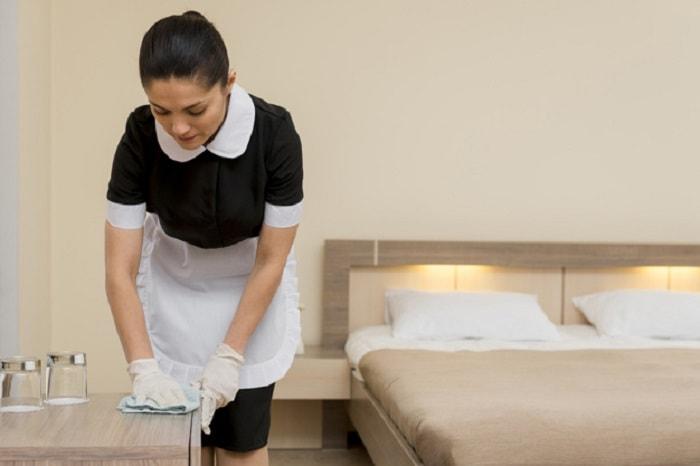 can-co-nhung-qui-dinh-ve-tac-phong-nao-danh-cho-nhan-vien-housekeeping_1600930595.jpg